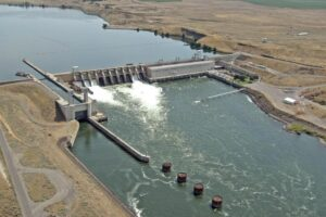 Federal Study Recommends Keeping Snake River Dams In Place, With Congress Having Final Say